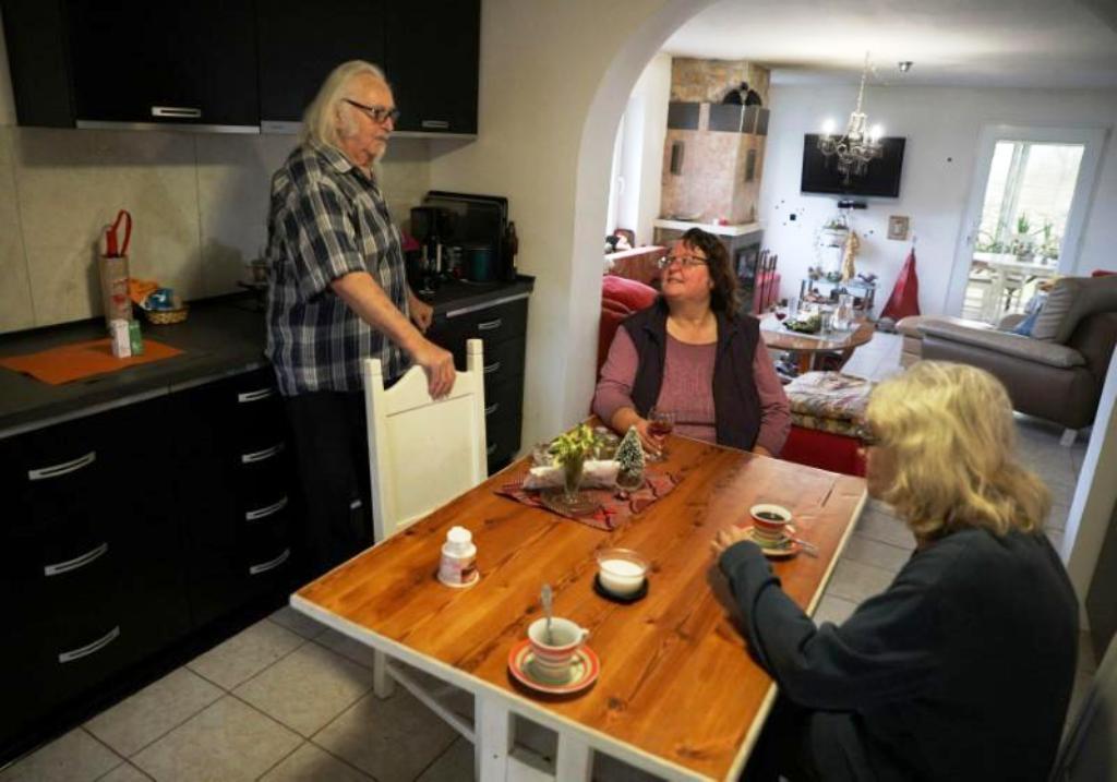 Pensioners Fleeing Germany