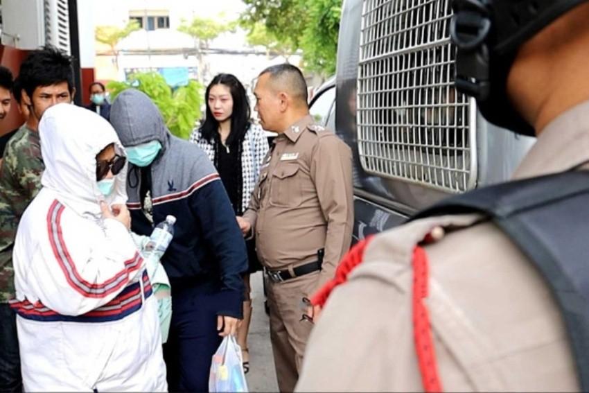 Thai vendors jailed
